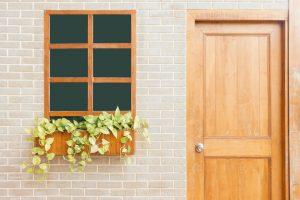 porta e finestra in legno